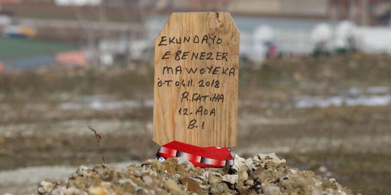 Hristiyan futbolcunun mezarına 'Ruhuna Fatiha' yazılı tahta dikildiği ortaya çıktı