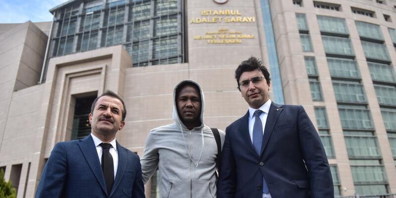 Hugo Rodallega dolandırıldı, son anda parasını kurtardı