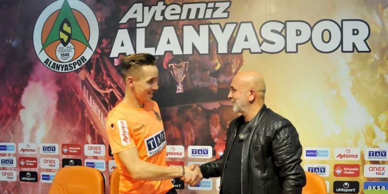 Alanyaspor'a Çek forvet