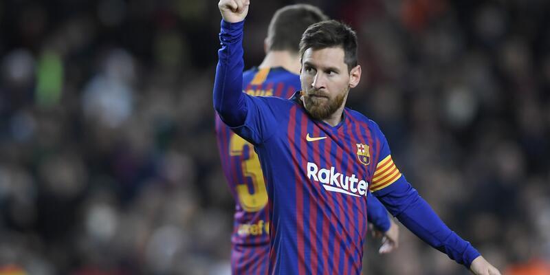 Messi yine tarihe geçen bir gol attı