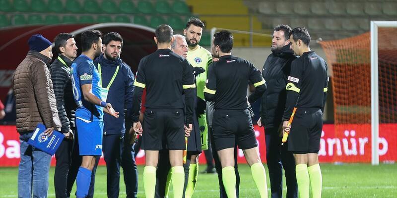 Diagne maç bittikten sonra kırmızı kart gördü