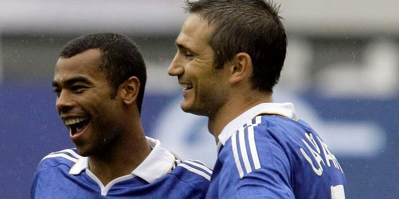Ashley Cole Lampard'ın takımına imza attı