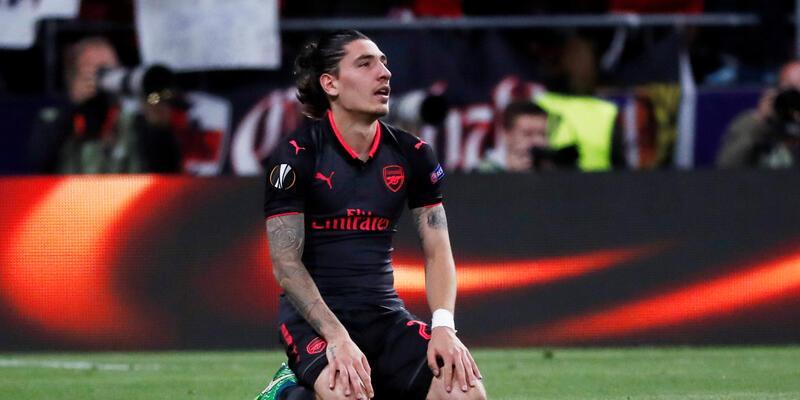 Arsenal'in yüzü gülmüyor: Hector Bellerin sezonu kapattı