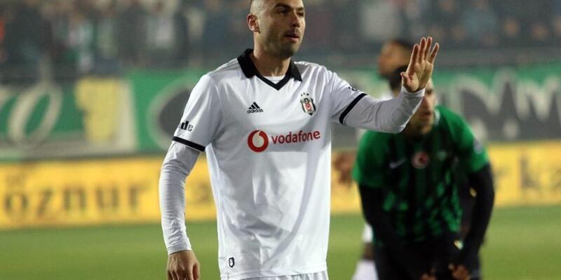 Burak Yılmaz 12 yıl sonra Beşiktaş formasıyla taraftarın önüne çıkıyor