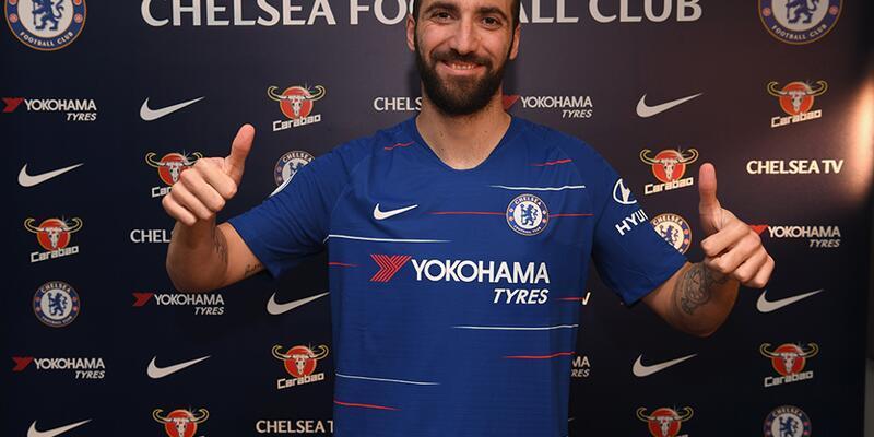 Chelsea Higuain'i kiraladı