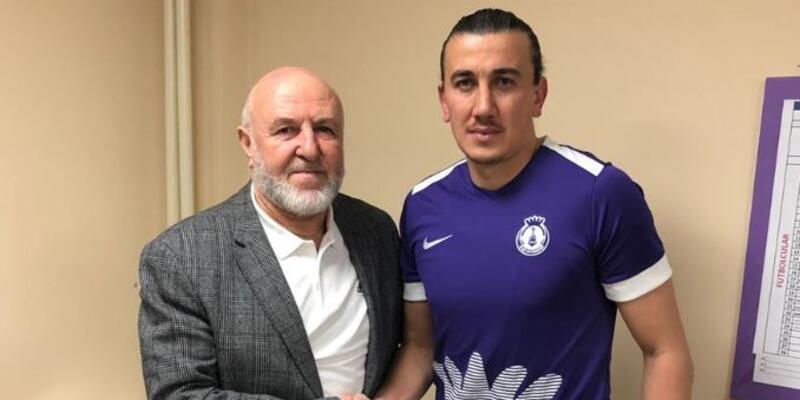 Elazığspor'dan bir futbolcu daha ayrıldı
