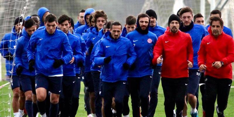 Antalyaspor fırtınaya yakalandı