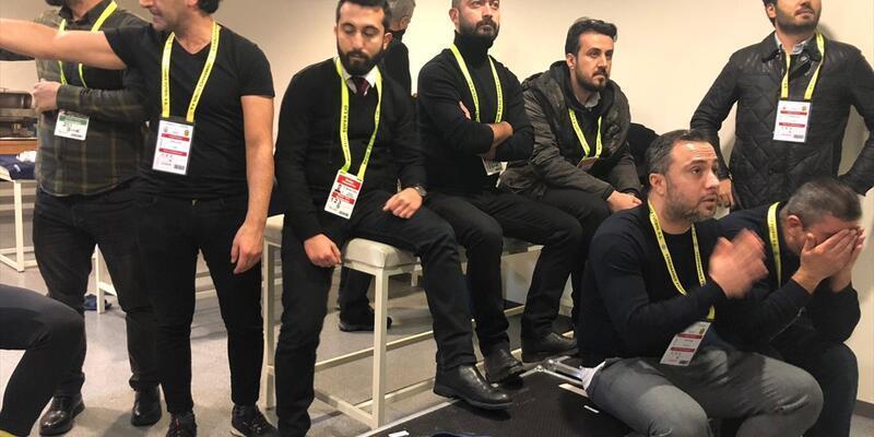 Yeni Malatyasporlu yöneticiler maçı soyunma odasında izledi