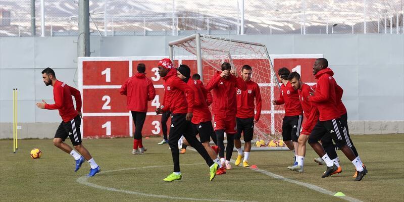 Sivasspor Lucas Evangelista transferini yetiştirmeye çalışıyor