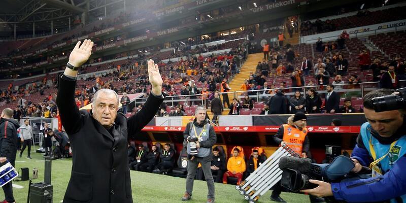 Galatasaray taraftarından forvet tezahüratı