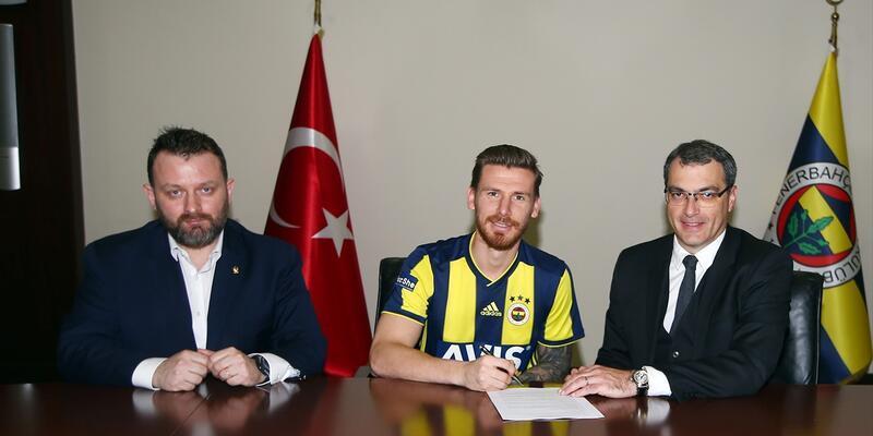 Serdar Aziz Fenerbahçe formasını giydi