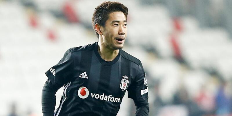 Beşiktaş'tan yeni transferler için imza töreni