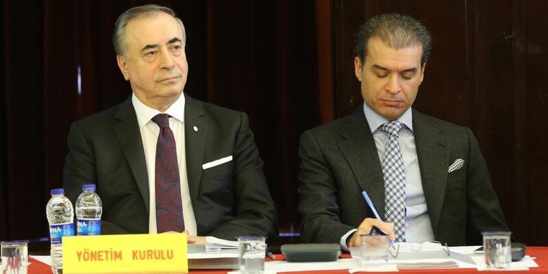 Galatasaray futbolcuların yıllık ücretleri düşürüyor