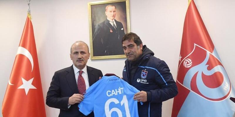 Bakan Turhan Trabzonspor'u ziyaret etti