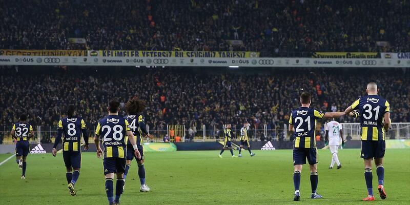 Miha Zajc ilk kez Fenerbahçe formasıyla sahada
