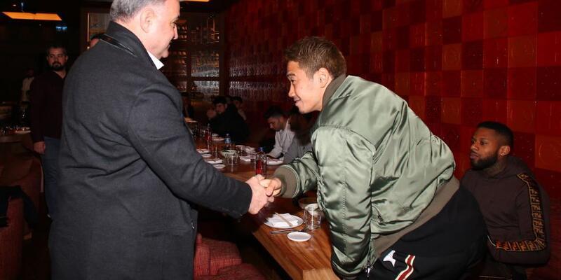 Beşiktaşlı futbolcular Japon restoranında