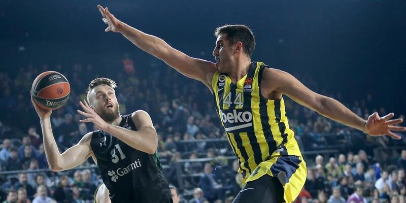 Fenerbahçe Darüşşafaka'yı ezdi geçti