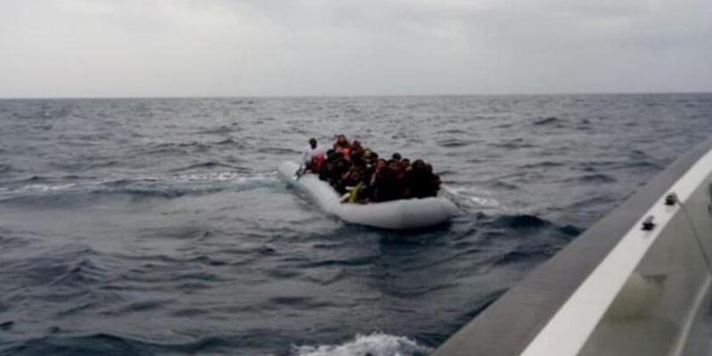 İzmir açıklarında 62 kaçak göçmen yakalandı
