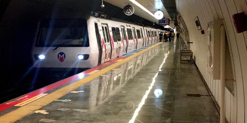 Metro istasyonunda raylara düşen kişi nedeniyle seferlerde aksama yaşandı