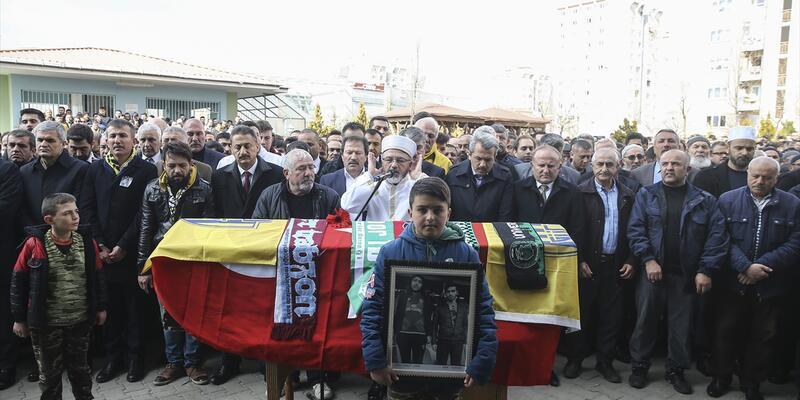 Ankaragücü taraftarı Mert Turgut Çakır'ın cenazesi defnedildi