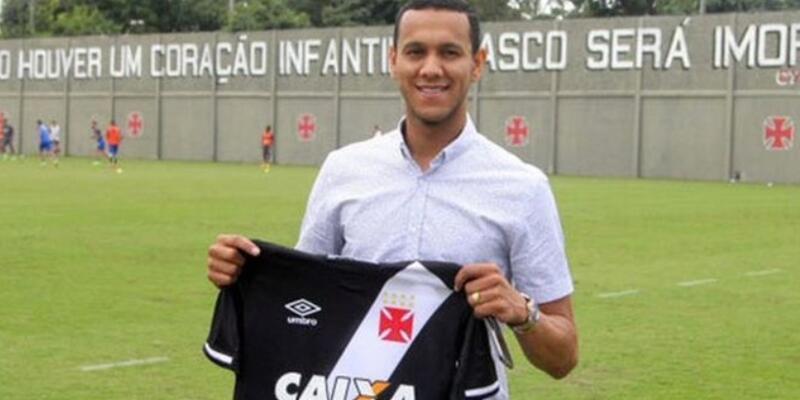 Josef de Souza imzayı attı