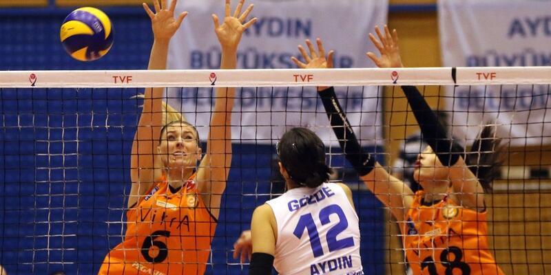 Avrupa'da finalist, Türkiye'de ligde kalma mücadelesi veriyor