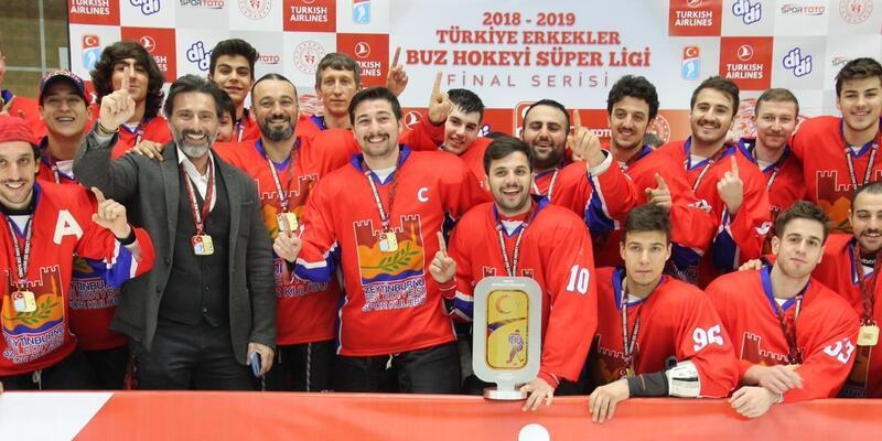 Şampiyon Zeytinburnu Belediyespor