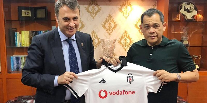 Fikret Orman Malezya Futbol Federasyonu Başkanı'yla bir araya geldi