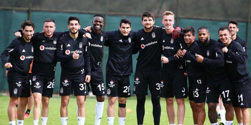 Beşiktaş milli arada durmuyor