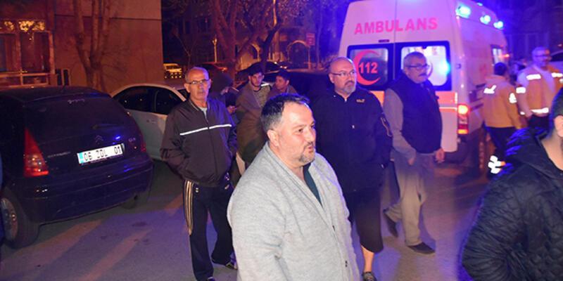 Öğrenci evinde çıkan yangında 5 öğrenci dumandan etkilendi