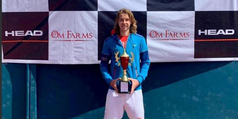 Türk tenisçi gençler kariyerinin ilk zaferini Hindistan'da elde etti