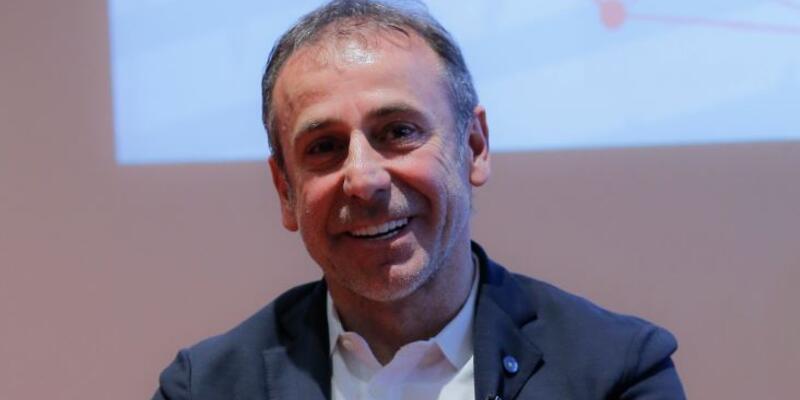 Abdullah Avcı: Sporun geleceği profesyonellere bırakılmalı