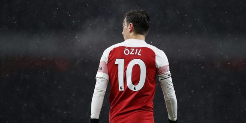 Mesut Özil'den 'Hello Brother' mesajı