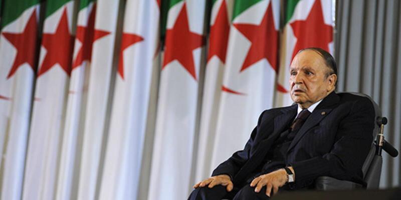 Son dakika... Cezayir'de Genelkurmay Başkanı cumhurbaşkanı makamının boşaltılmasını istedi