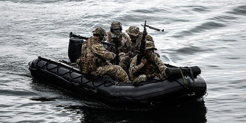 Son dakika: Deniz Kuvvetleri'nden arama kurtarma çalışmalarına destek
