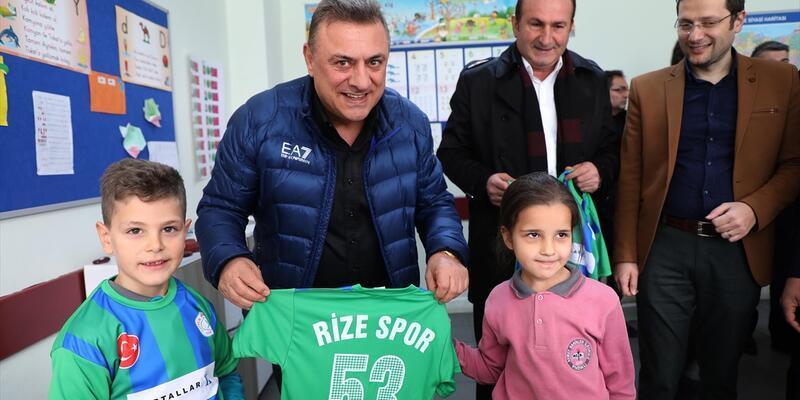 Rizespor Başkanı Hasan Kartal Okan Buruk'u bırakmak istemiyor