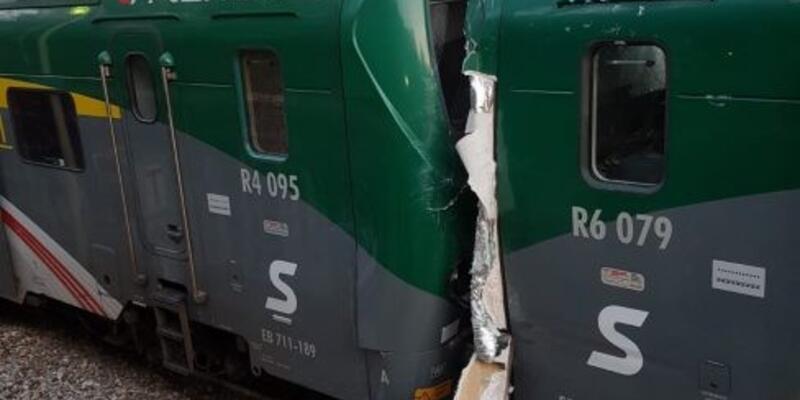 İtalya'da iki tren çarpıştı: 50 yaralı
