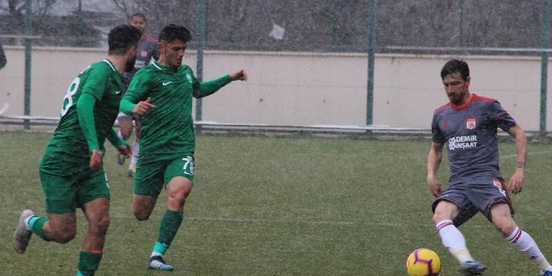 Sivasspor, Sivas Belediyespor'u 2-1 mağlup etti