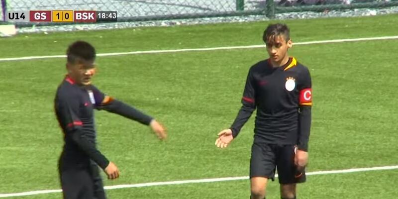 Galatasaray forması giyen Emirhan Kayar'dan örnek davranış