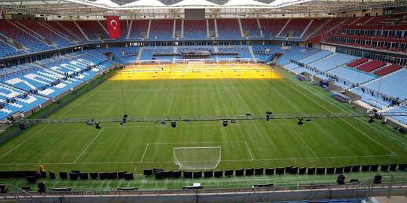 Şenol Güneş Spor Kompleksi'ne çift yönlü tribün inşa ediliyor