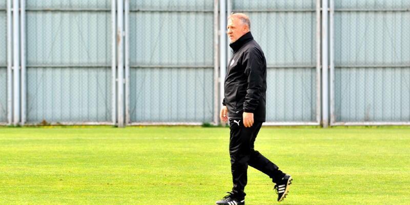Mesut Bakkal Bursaspor'da ilk antrenmanına çıktı