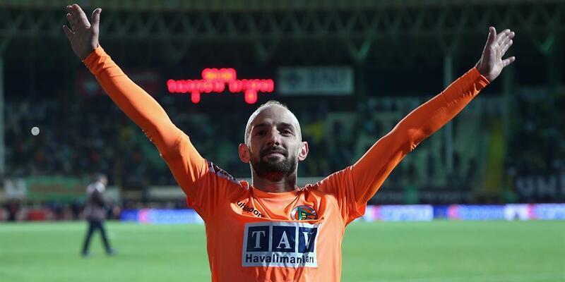 Efecan Karaca: Gol atmak güzel bir duygu