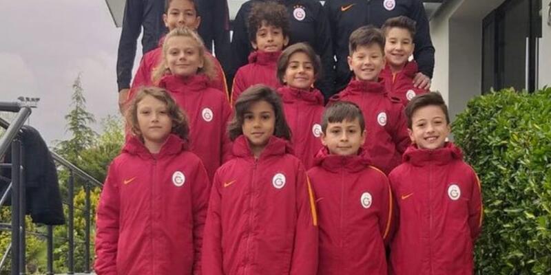 Galatasaray U10 Takımı'ndan Fenerbahçe'ye destek