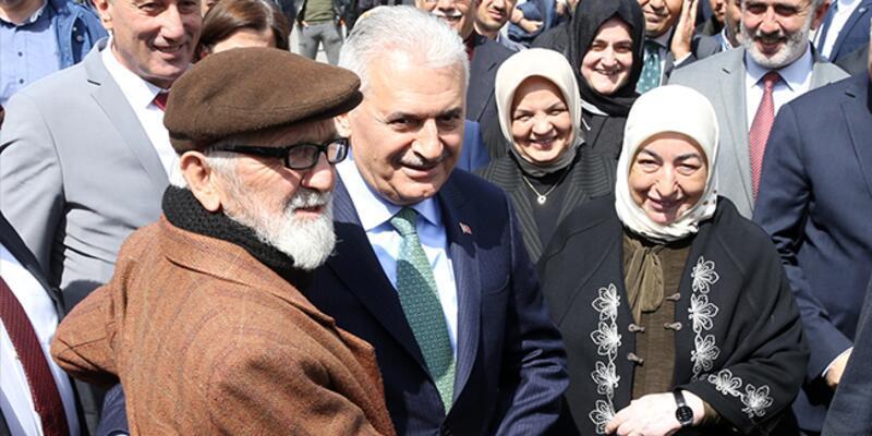 Binali Yıldırım'dan Düzce Belediye Başkanı Özlü'ye tebrik ziyareti