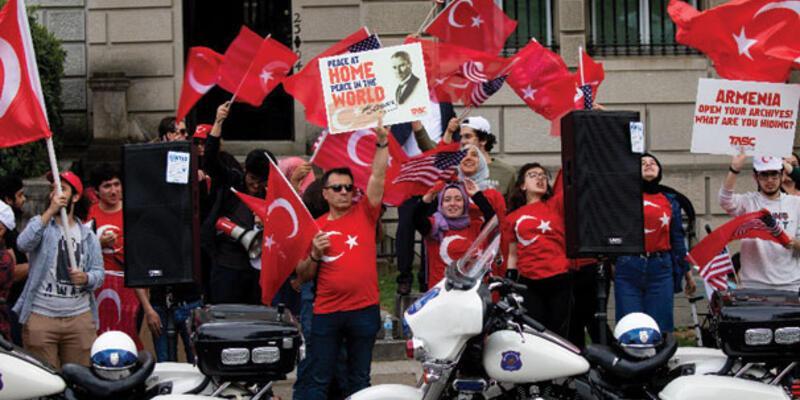 Washington'da yaşayan Türklerden Ermeni iddialarına karşı protesto