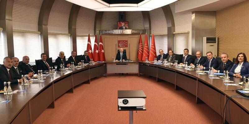 Kılıçdaroğlu, 11 CHP'li büyükşehir belediye başkanı ile bir araya geldi