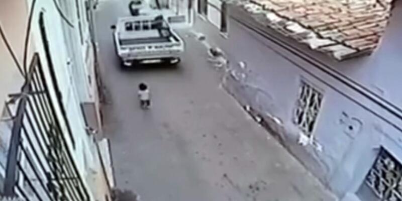 Kamyonetin altında kalan 2 yaşındaki çocuk öldü
