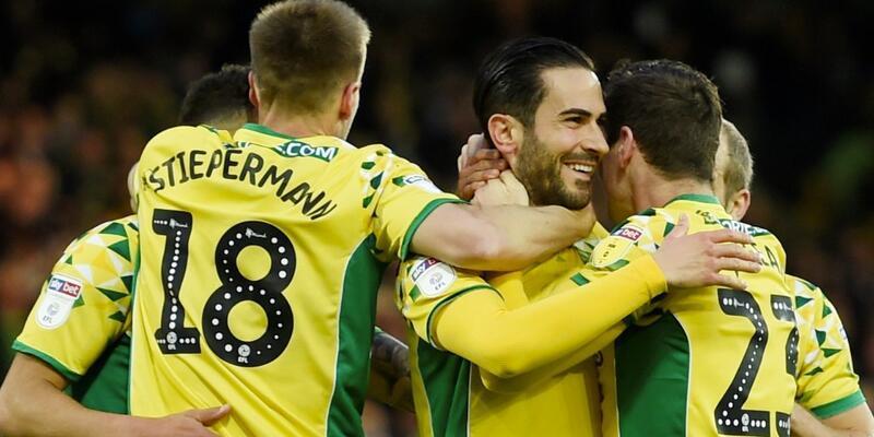 Norwich City yeniden Premier Lig'de