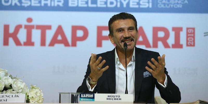 """""""Futbola Galatasaraylı başladım Fenerbahçeli oldum"""""""