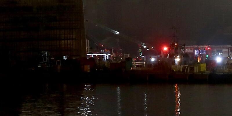İstanbul Tuzla'da tersane yangını